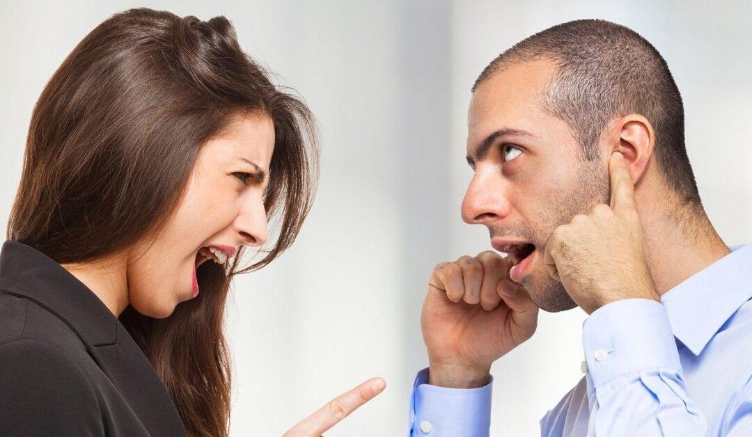 ¿Cómo dejar de criticar a los demás?