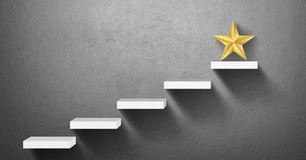 alcanzar la cima del éxito